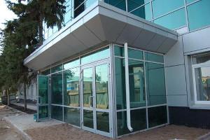 Входные офисные двери