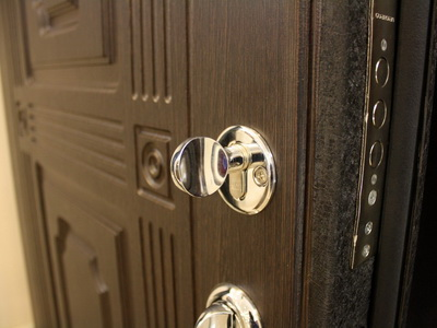 Противоударные входные двери