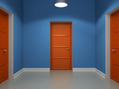 Железная дверь в общий коридор